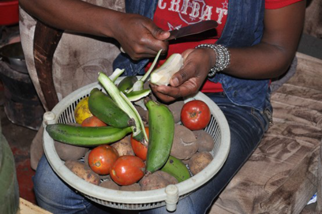 Participant cooking in a low-income HH of Dagoretti